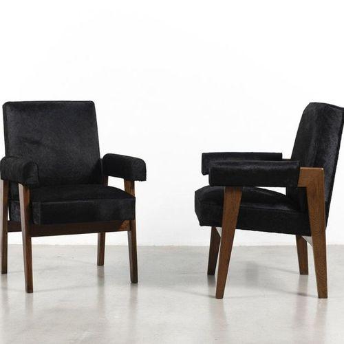 JEANNERET Pierre (1896 1967) Advocate Paire de fauteuils Teck et peau Date de cr…
