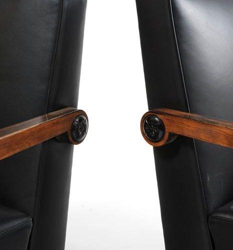 TRAVAIL SUÉDOIS ANONYME Paire de fauteuils Palissandre, bois laqué, bronze et cu…