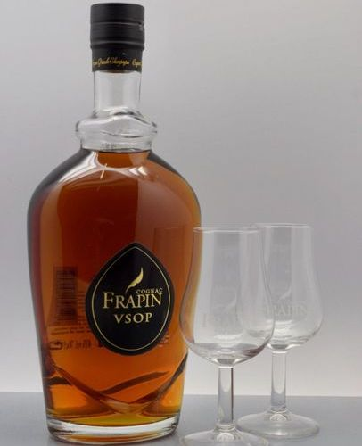 """1 COGNAC """"Grande Champagne"""" boxed set, Frapin VSOP (with two glasses)"""