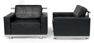 Ricardo Bofill né en 1939 Swift Pair of armchairs Steel and black leather Editio…