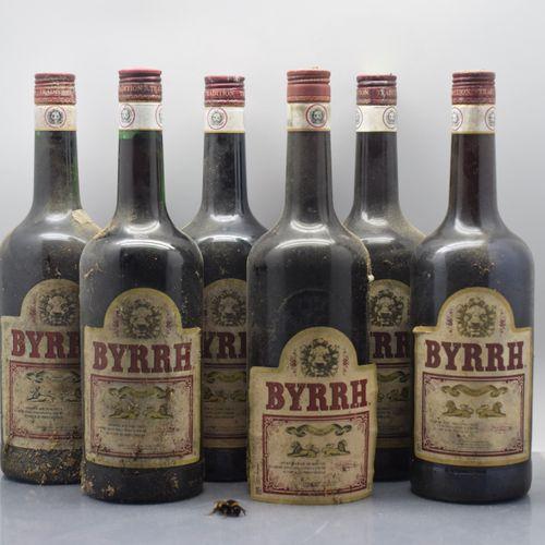 6 bouteilles BYRRH (es, 1 étiquette decollée)