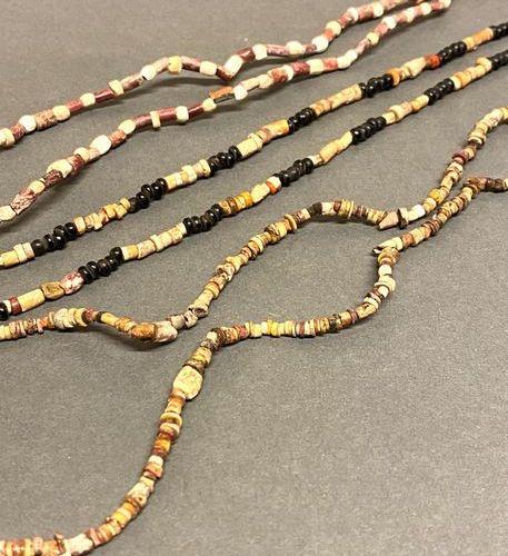 Lot de colliers 3 colliers Coquillage et graines Mexique