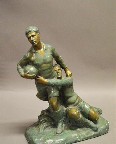 """NOVELLA (XXème) """"Le plaquage"""" Sculpture en plâtre peint (accidents). H : 43 cm, …"""
