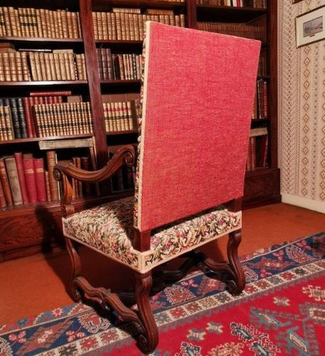 RIGHT FOLDER FOLDER in natural wood the armrests with scrolls and acanthus leave…