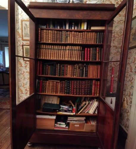 LIBRARY GLASS WINDOW in mahogany and mahogany veneer opening through two glass d…