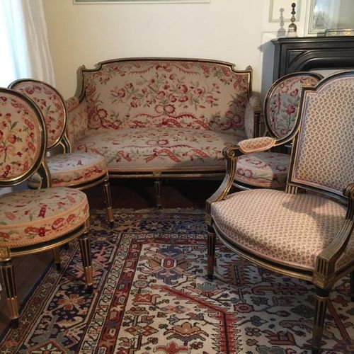 Meeting of FIVE LIVING ROOM SEATS: one CABRIOLET, one CABRIOLET FOLDER and three…