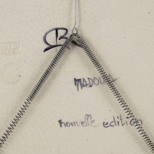 """Pablo Picasso (1881 1973), d'après, """"Colombe sur lit de paille"""", 1949, plat oval…"""