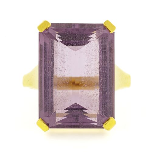 Bague or 750 sertie d'une améthyste taille émeraude (env. 13ct), doigt 51 11