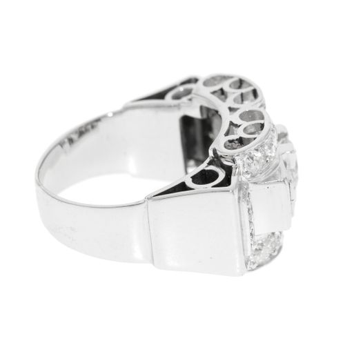 Bague années 1940 50or gris 750 et platine sertie de diamants taille ancienne e…