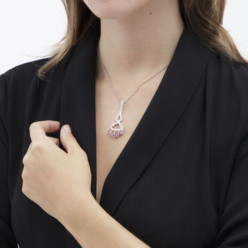 Pendentif or gris 750 serti de saphirs roses taille goutte et de diamants taille…