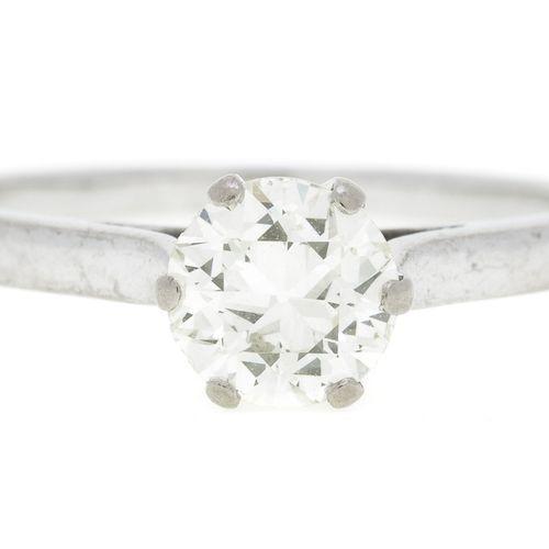 Solitaire or gris 750 serti d'un diamant taille ancienne (env. 0.7 ct), doigt 51…