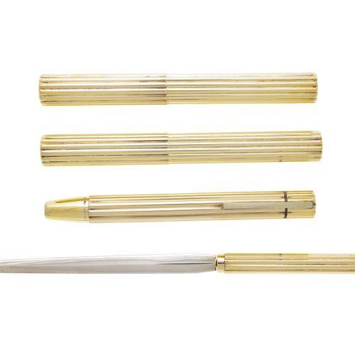 Bulgari, ensemble composé de 2 étuis pour stylo, d'une lampe de poche et d'une o…
