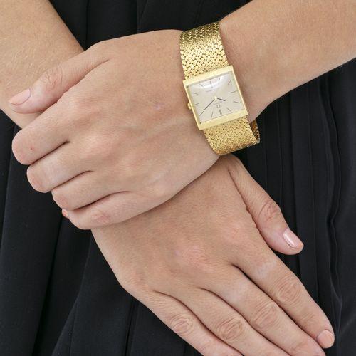 Omega, Constellation, montre bracelet en or 750, années 1970Mouvement: cal. 700,…