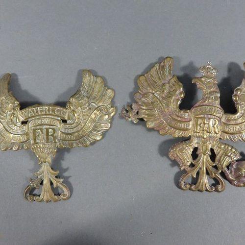 Deux plaques de casque à pointe modèle 1895. Modèle prussien, en laiton. Manque …