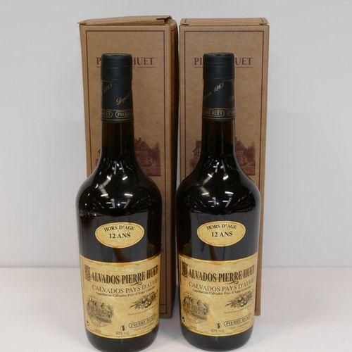 2 Btles Calvados du Pays d'Auge Pierre Huet Hors d'Age 12 years old in vat cases…