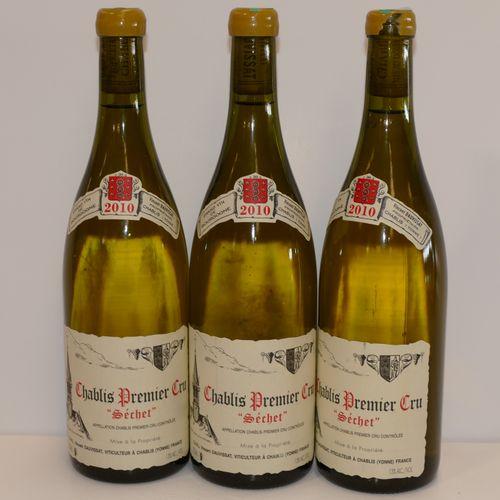 3个Btles Chablis 1er Cru Séchet 2010 Domaine Vincent Dauvissat包括一个轻微损坏的蜡和两个非常非常轻微…