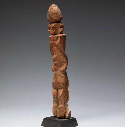 Figure anthropomorphe Figure anthropomorphe  debout au traitement géométrique.  …