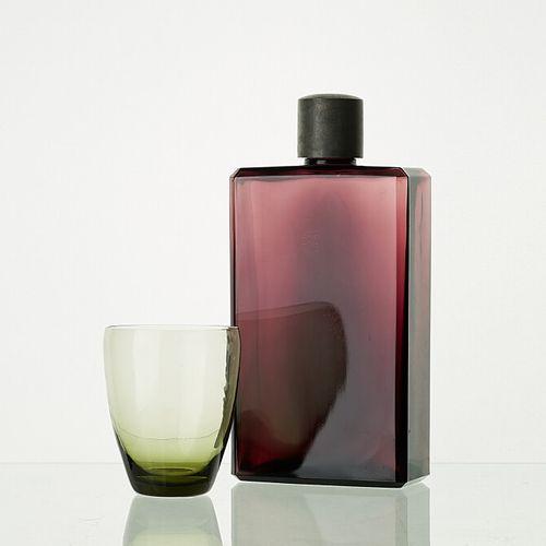 Lot comprenant:   1 carafe avec bouchon en acier PRUNE H: 19,5cm   4 verres WAGO…