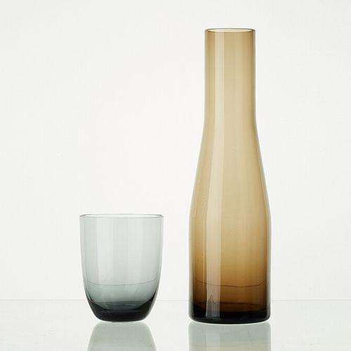 Lot comprenant:   11 verres ANTHRACITE translucides H: 10cm   1 carafe WENGE tra…