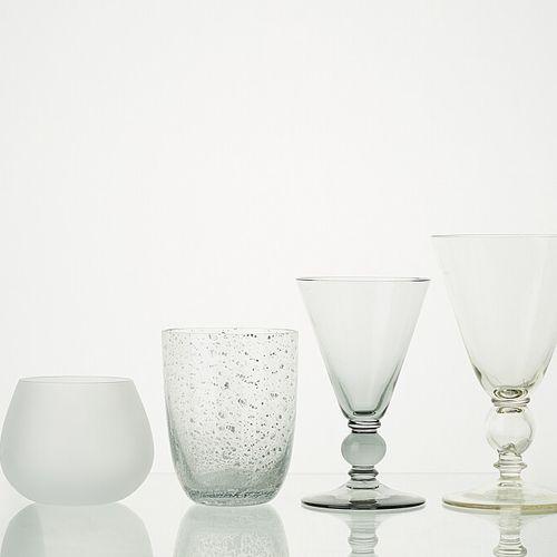 Lot comprenant   1 verre LIGNE ANTIQUE ANTHRACITE translucide H: 14,5cm   1 verr…