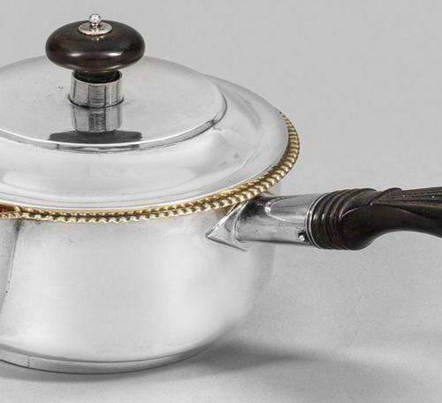 Qualitätvolles St. Petersburger Butterpfännchen Silber. Runder, glatter Korpus ü…