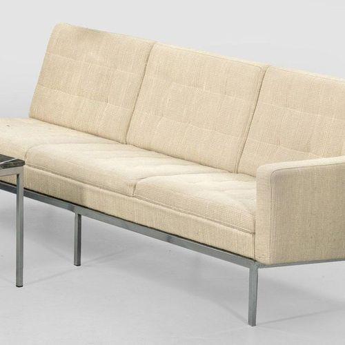 Großes Sofaelement von Florence Knoll Modell 67. Stahl und beigefarbener Wollbez…