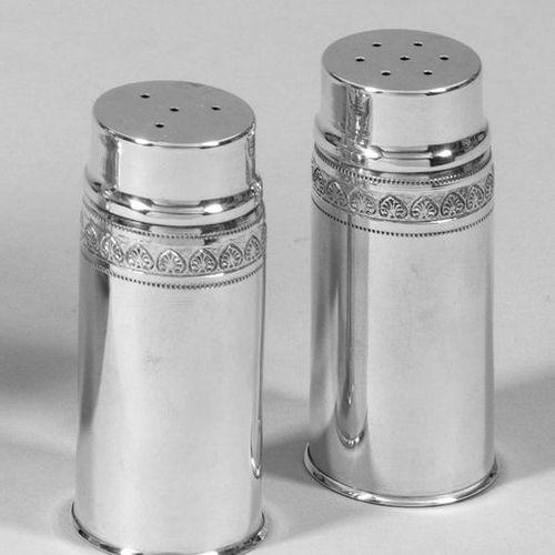 Salz und Pfefferstreuer Silber. Zylindrischer, an der Schulter von einem Blattfr…