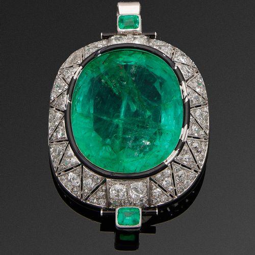 Glamouröse Art Déco Smaragdbrosche aus dem Besitz der Princess Taj os Saltaneh o…