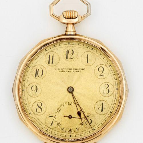 Jugendstil Taschenuhr von K.B. Hof Uhrenfabrik Andreas Huber Circa 1905. Or rose…
