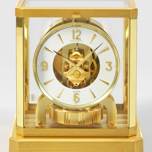 """ATMOS Tischuhr von Jaeger LeCoultre dite """"Pendule Perpétuelle"""". Laiton doré, par…"""