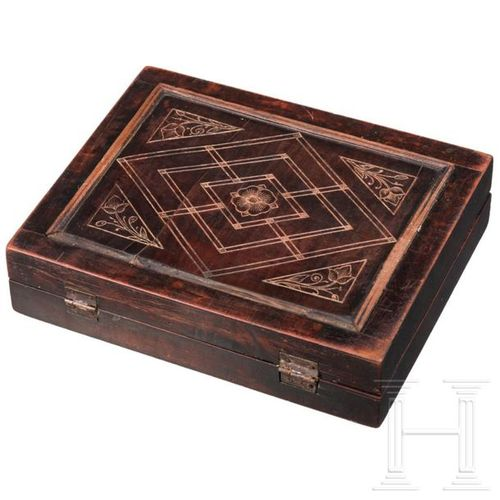 Renaissance Spielbrett, süddeutsch, um 1600 Hinged box made of ebonised walnut. …