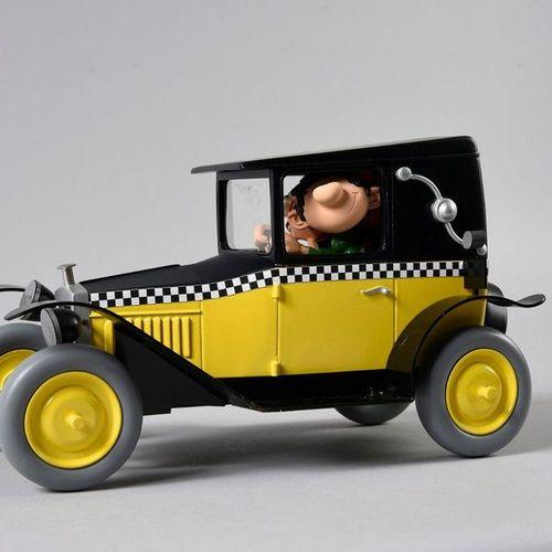 Aroutcheff FRANQUIN. LA FIAT DE GASTON. Sculpture en résine polychrome réalisée …