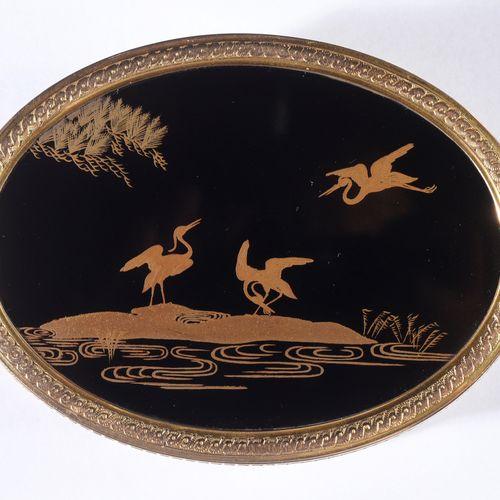 GRANDE TABATIÈRE EN LAQUE DU JAPON, SALLOT PIERRE GUILLAUME, PARIS, 1781. De for…