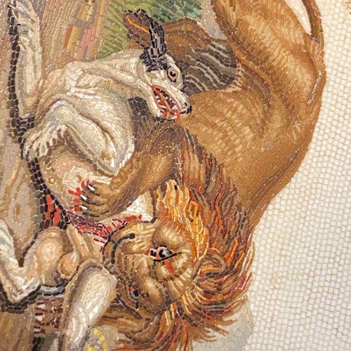 BOÎTE RONDE EN JASPE ROUGE, ROME, CIRCA 1810, ATTRIBUÉE À FILIPPO PUGLIESCHI. Co…