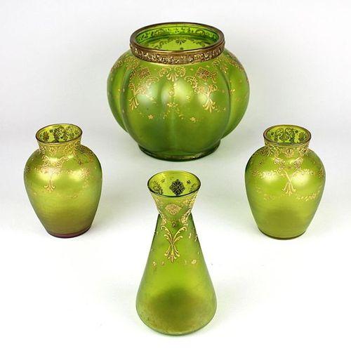 Quatre vases Art nouveau Posching, Zwieselau vers 1900, composés d'une paire de …