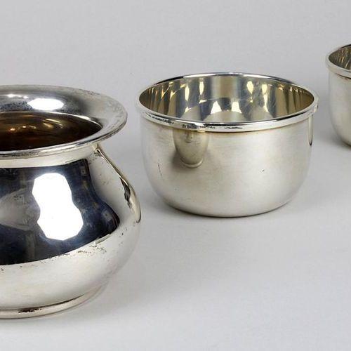2 bols et un vase en forme de pot, 800 argent, Italie 2 . H. XXe siècle, de form…
