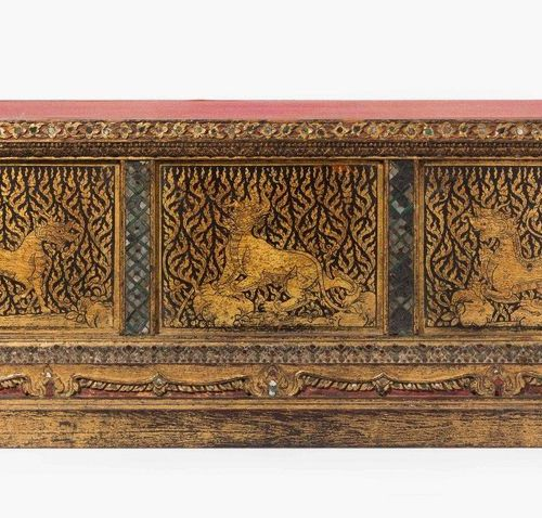 Manuskript Truhe Thailand, 19th century wood, black lacquered and painted with g…