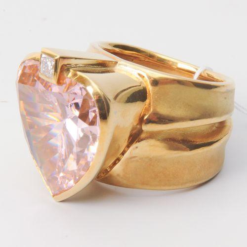 Misani Ring Italie. Or jaune 750. 1 diamant princesse d'environ 0,14 ct, 1 zirco…