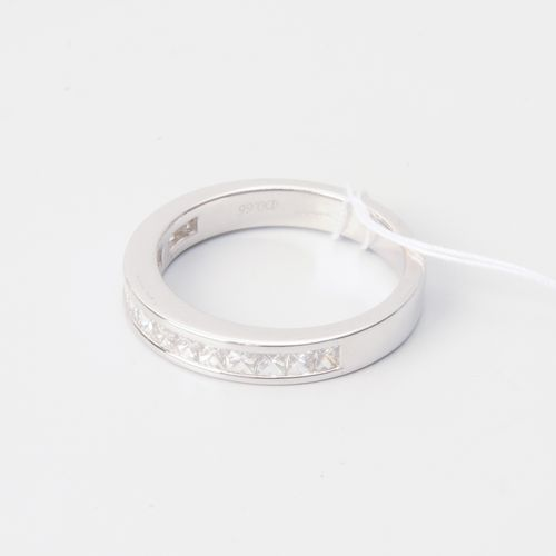 Halb Alliance Ring Or blanc 750. 15 petits diamants d'environ 0,75 ct. Taille 52…