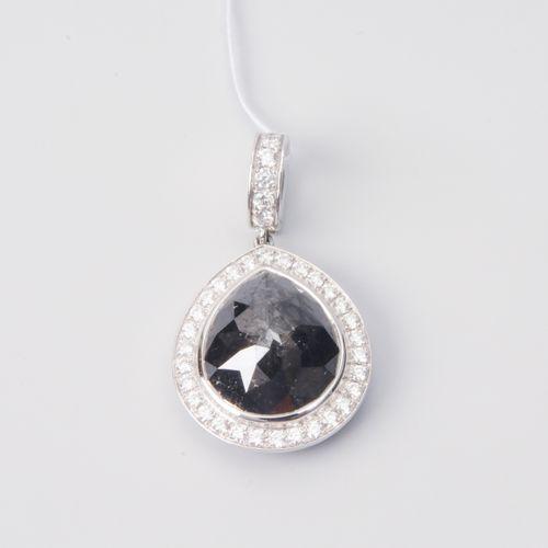 DIAMANT ANHÄNGER Or blanc 750. Goutte de diamant noir d'environ 3 ct (probableme…