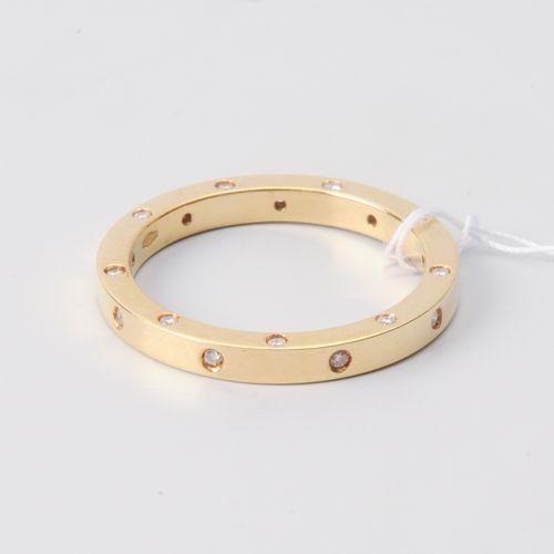 BRILLANT RING Or jaune 750. Bague fine avec 26 petits diamants d'environ 0,13 ct…