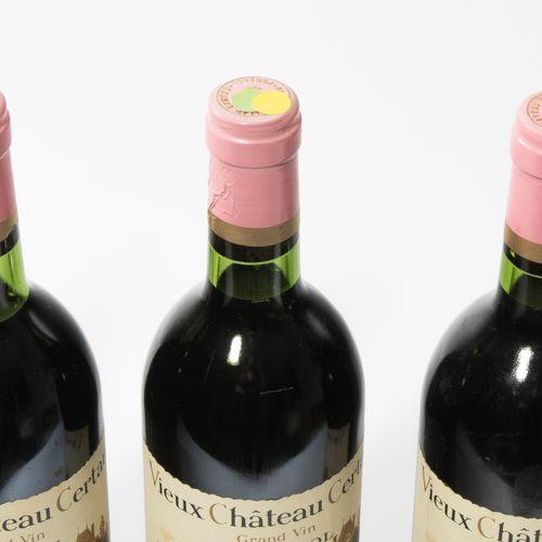 VIEUX CHÂTEAU CERTAN 1979. Grand Cru Exceptionnel. Pomerol. 11 bouteilles.
