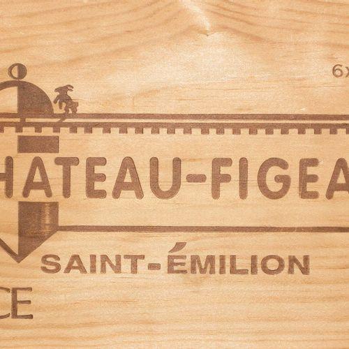 Château Figeac 2002. 1er Grand Cru. St. Emilion. Boîte en bois originale. 6 bout…