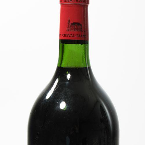 CHÂTEAU CHEVAL BLANC 1984. 1er Grand Cru. St. Emilion. Magnum. Une bouteille.