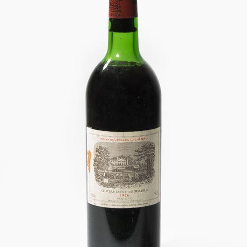 Château Lafite Rothschild 1976. 1èr Grand Cru. Pauillac. 1 bouteille. (Niveau de…