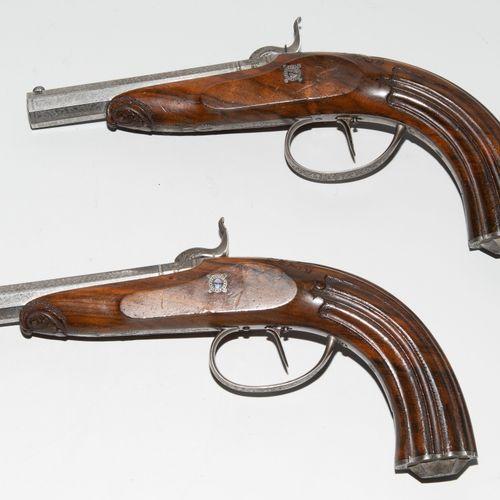 Perkussionspistolen Paar im Kasten Paire de pistolets à percussion dans un étui.…