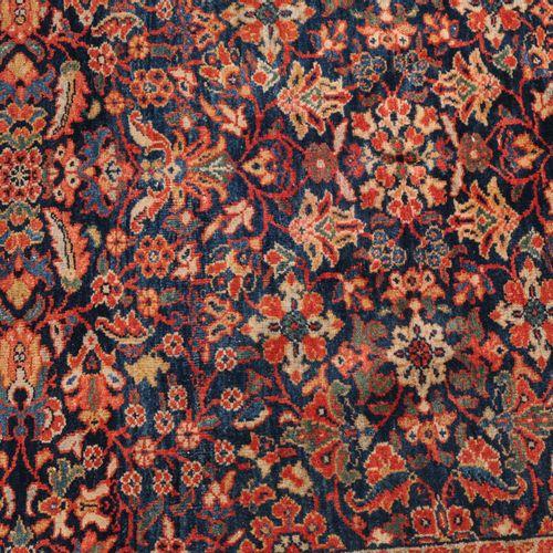 Farahan Farahan  Z Persia, 1910 circa. Trama fine. Un denso disegno floreale. Il…