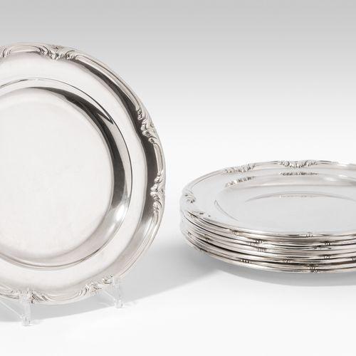 Lot: 10 Teller Lotto: 10 piatti  Parigi, circa 1900, argento. Marchio del maestr…