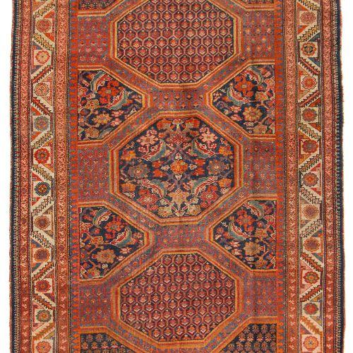 MALAYER Malayer  Z Perse, vers 1900. Un design très inhabituel. Dans le champ pr…