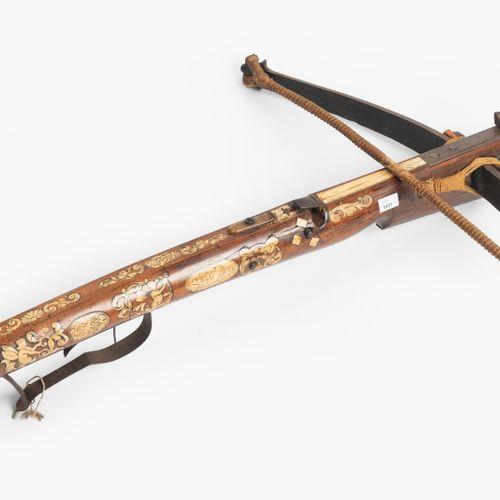 Jagdarmbrust Arbalète de chasse  Allemagne, 1ère moitié du 17ème siècle avec des…